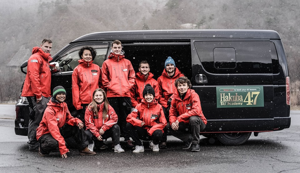Picture of the 'Hukuba47 team' in Hakuba47s carpark